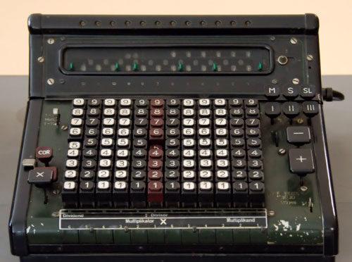 La mécanographie est l'ancêtre de l'informatique